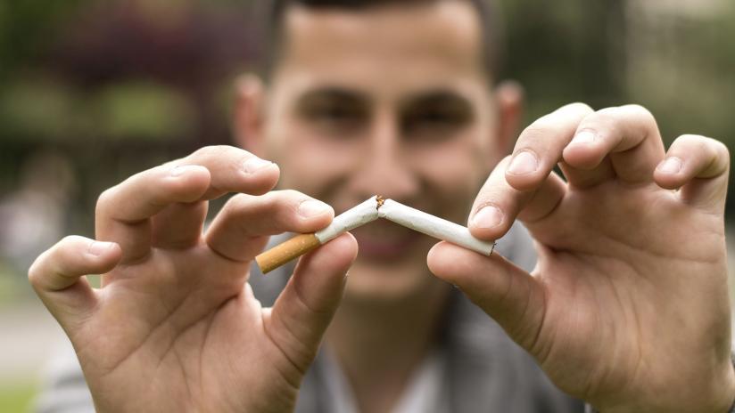 Il fumo smesso come la testa sarà a lungo girato